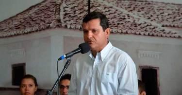 Justiça suspende decreto de prefeito que entregou 'chave de cidade a Jesus'