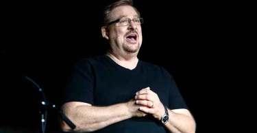 "Rick Warren mostra como recomeçar após pecado sexual: ""Se comprometa com Cristo"""