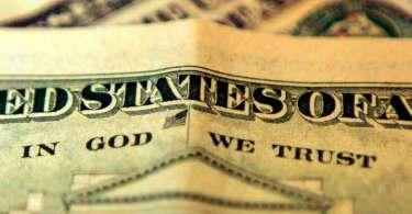"""Ateus são impedidos de retirar frase """"Em Deus Nós Confiamos"""" das notas de dólar"""