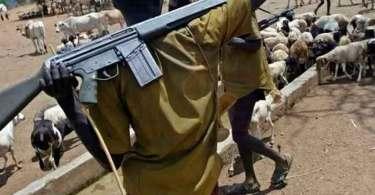 Pastor, esposa e 3 crianças são queimados até a morte por extremistas, na Nigéria