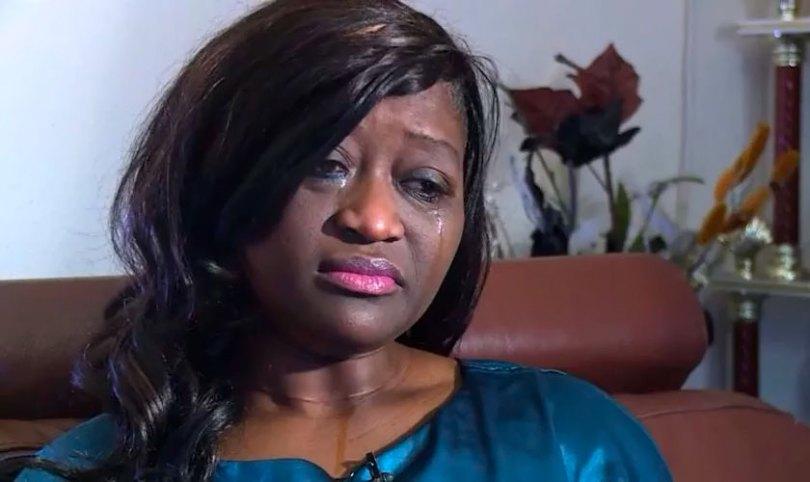 Demitida por orar com pacientes, enfermeira recupera emprego após julgamento