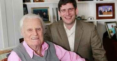 """""""Aprendi com meu avô a urgência de pregar o Evangelho"""", diz neto de Billy Graham"""