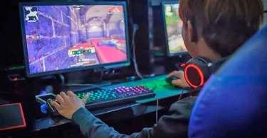 Dobra o número de jogos pornográficos, disponíveis para crianças e adolescentes