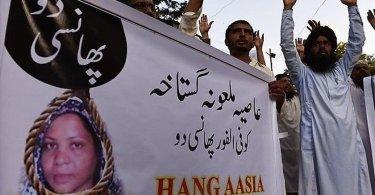 Juiz usa o Alcorão para confrontar muçulmanos que pedem a morte da cristã Asia Bibi
