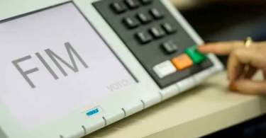 Urnas eletrônicas com problemas levantam suspeita de fraudes nas eleições