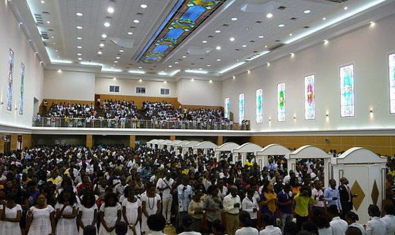 Angola irá fechar igrejas que não são legalmente reconhecidas