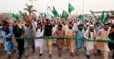Muçulmanos pedem a morte de juízes que decidiram pela liberdade de Asia Bibi