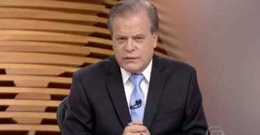 Chico Pinheiro ironiza lema de Bolsonaro e troca Deus pela Constituição