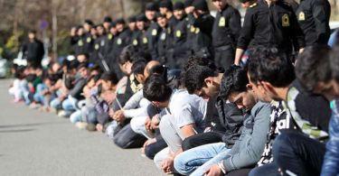 Mais de 100 cristãos são presos em uma semana no Irã