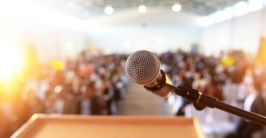 Pastores sentem-se limitados para abordar questões polêmicas na igreja, diz pesquisa