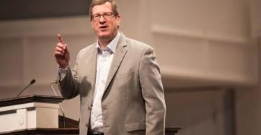 """""""A igreja não está aberta à manifestação de milagres como deveria"""", diz ex-ateu"""