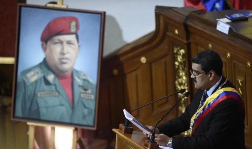 """Maduro ironiza apoio que Bolsonaro recebe de evangélicos: """"É um fantoche"""""""
