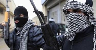 Terroristas desistem de incendiar igreja e se convertem, após terem visão de Jesus