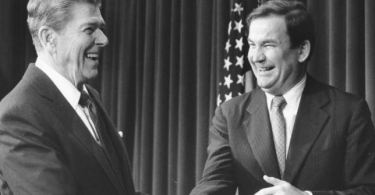 Ronald Reagan e Pat Buchanan