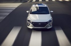 2017 Hyundai Ioniq Hybrid (69)