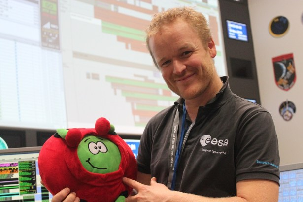 Human spaceflight editor Julien Harrod and Paxi the ESA Kids mascot at the Columbus Control Centre for Thomas Pesquet's Proxima mission launch and docking, Nov 2016.
