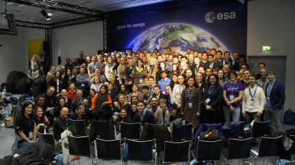 All the sapce tweeps at the #Sentinel2Go Social Space event at ESOC! Credit: ESA/L.Guilpain