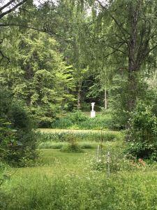 Staty på Lilliandammens södra dammvall