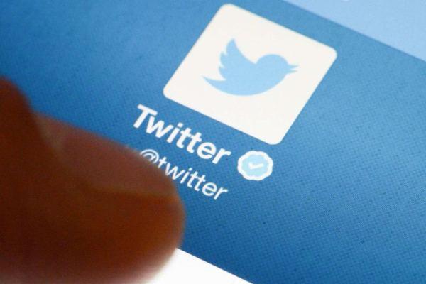 Twitter in vendita. Anche Microsoft tra gli interessati?