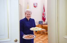 Mokslų daktarė, prezidentė D. Grybauskaitė. Nuotr. prezidentas.lt