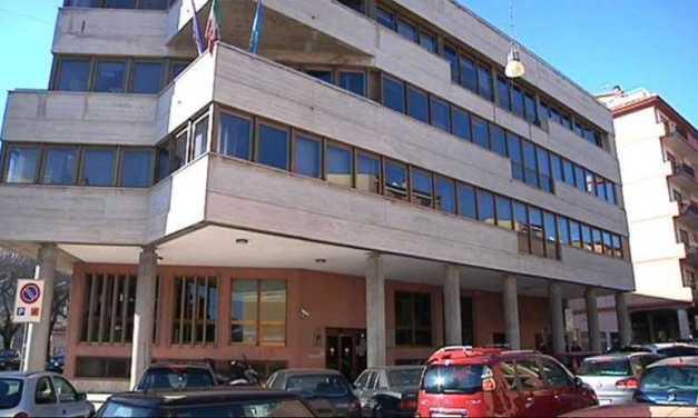 """Camera di Commercio, posizioni ancora distanti tra Teramo e L'Aquila ma i """"pasdaran"""" della fusione sono in minoranza: il Comune intanto si mobilita"""