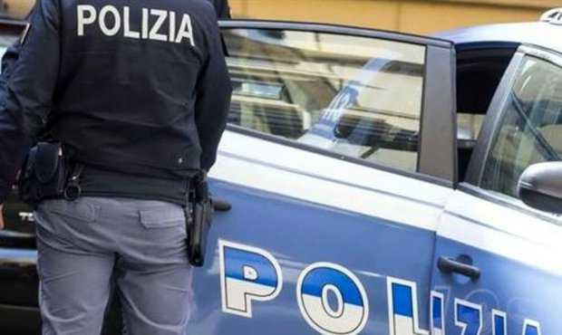 Coppia gay brasiliana aggredita a calci e pugni in centro a Pescara