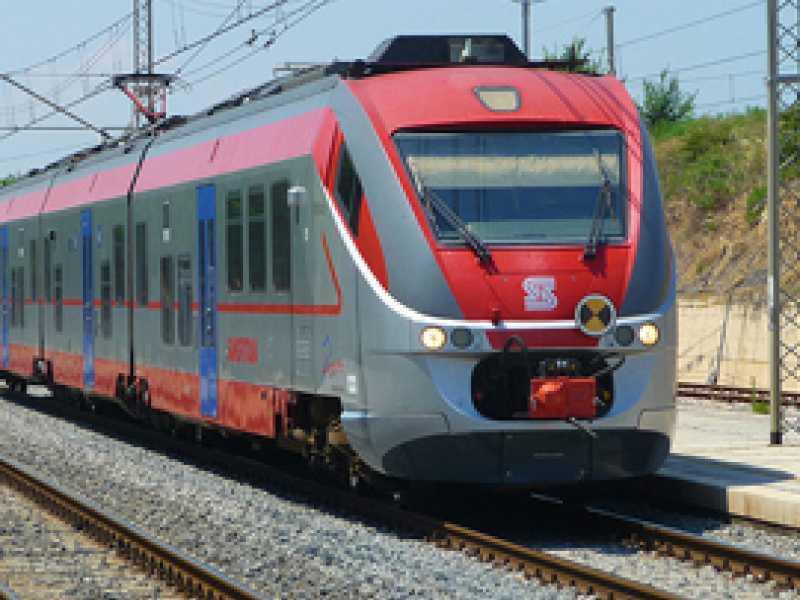 Carta-Treno, non funziona per i pendolari abruzzesi: la denuncia di Federconsumatori