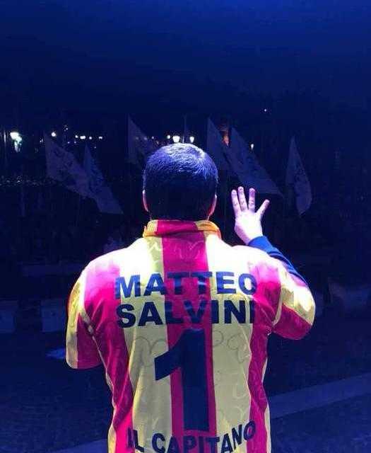 """LA SQUADRA DEL GIULIANOVA PRENDE LE DISTANZE DA SALVINI: """"NON PERMETTIAMO A NESSUNO DI STRUMENTALIZZARE I NOSTRI COLORI PER FINI POLITICI"""""""