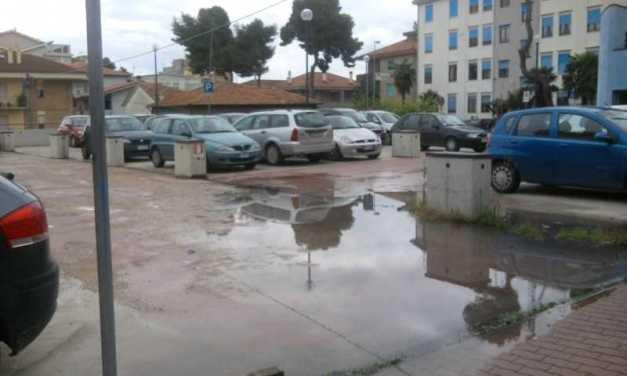 Giulianova, causa lavori modifiche circolazione in viale Orsini e via Quarnaro e divieto di sosta in piazza XXIV Maggio per rifacimento segnaletica