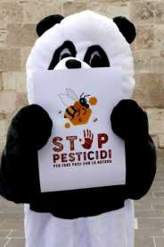 Flash mob Stop Pesticidi WWF 14aprile2019 4