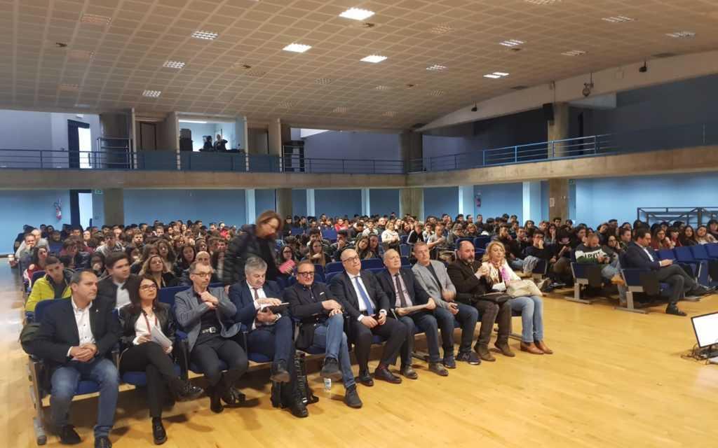 FOTO e VIDEO | Teramo, oltre 300 studenti per la prima giornata di Orientamento promossa dagli Its e dalla Regione
