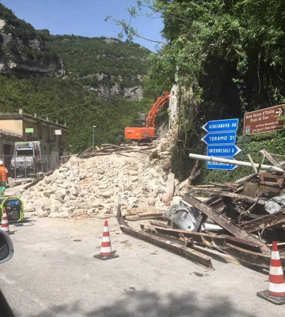 Fano Adriano, demolita la Casa di Luigina ma la scritta Gran Sasso D'Italia sarà rifatta