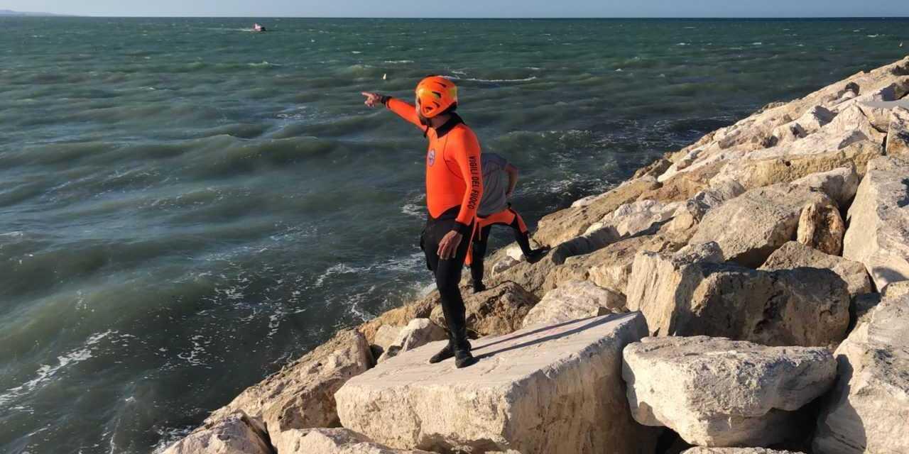 Giulianova, 14enne disperso in mare: ricerche spostate a Cologna Spiaggia ma riprenderanno domani