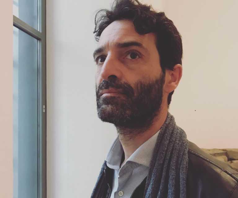 L'abruzzese Rolando Macrini conquista Londra con l'opera lirica The Book of Thel
