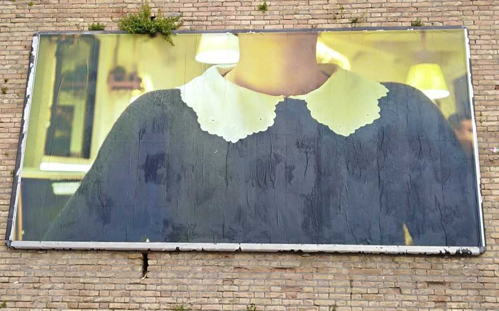 Atri, curiosità e stupore per l'esposizione F A C E S_affichesdi Andrea Astolfi