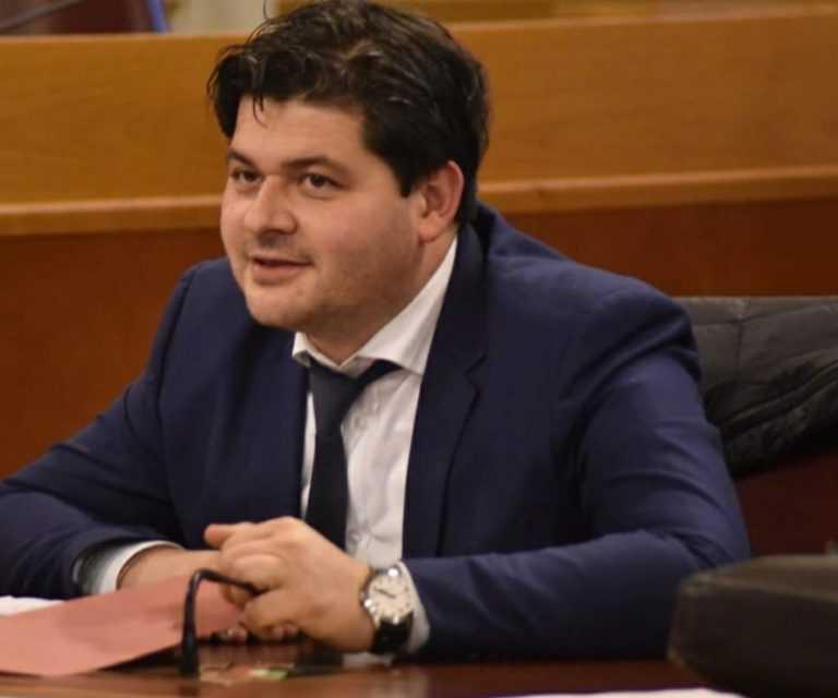 VIDEO | Mariani contro tutti: Marsilio assente, centro-destra ha più maggioranze e Di Matteo commissaria Quaresimale