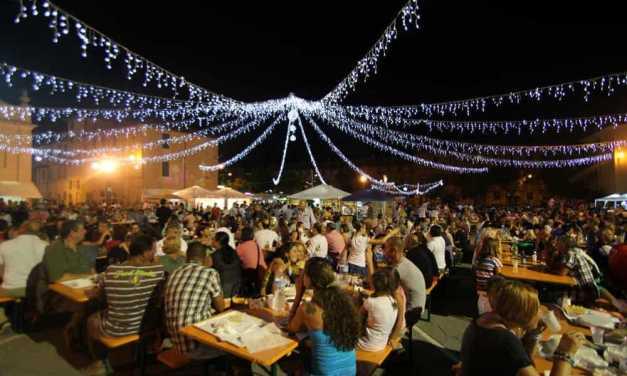 Coldiretti, 8 italiani su 10 amano le sagre e le feste di paese: la meta' spende 10 euro