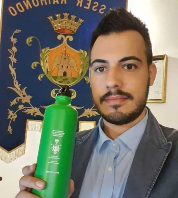 Castiglione Messer Raimondo, stop alle bottiglie di plastica nelle scuole e in Municipio
