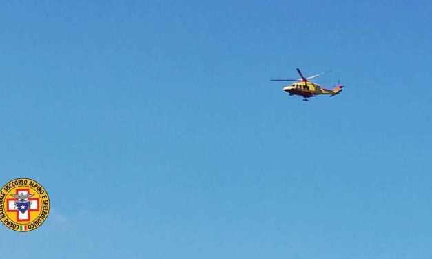 Montagna, escursionisti soccorsi e recuperati dall'elicottero del 118 sul Gran Sasso nel versante aquilano