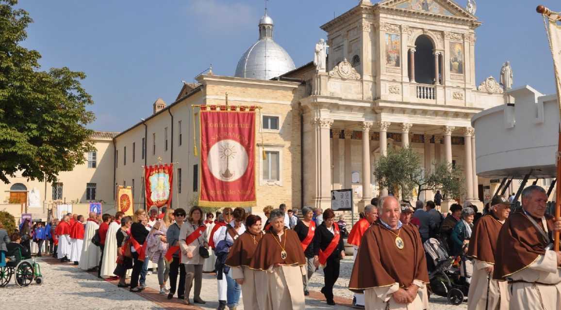 Isola del G.S., il Santuario ospita il XX raduno delle confraternite a San Gabriele. Partecipano da Abruzzo, Molise, Marche, Lazio e Umbria