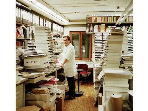 天才たちに愛される、その秘密に迫る 驚きと情熱のドキュメンタリー「世界一美しい本を作る男 シュタイデルとの旅」