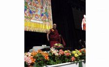 他者に対する思いやりこそ、自分自身に幸せをもたらすことができる源。ダライ・ラマ法王講演レポート