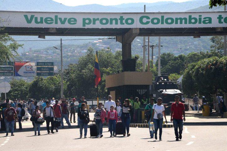 Resultado de imagen para se abre la frontera convenezuela