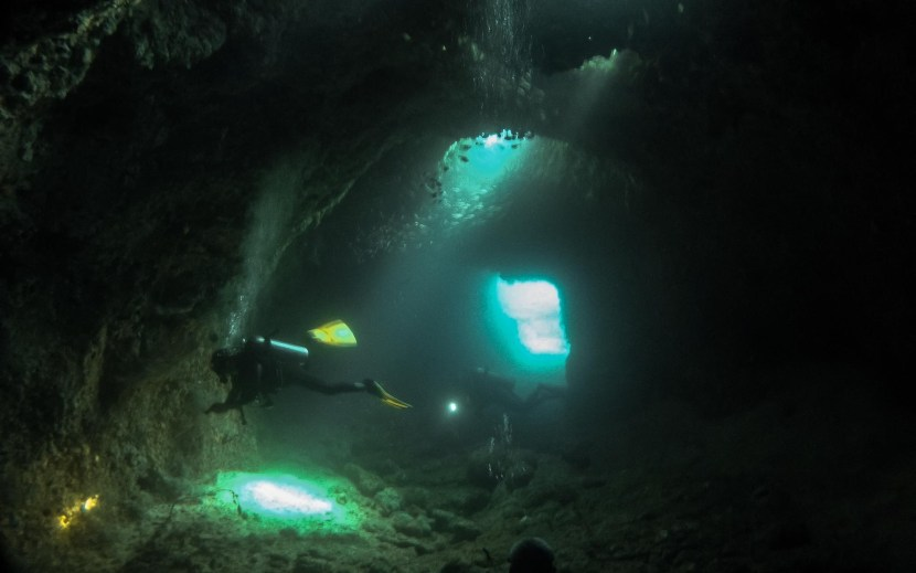 Dilumacad underwater tunnel diving