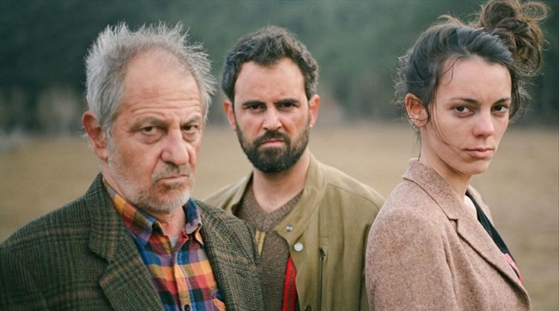 Foto promocional del montaje en la sala Beckett hISTORIA de Jan Vilanova  Con  de izquierda a derecha  Miquel Gelabert  Pau Roca y Vicky Luengo