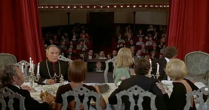 Le Charme Discret de la Bourgeoisie. 1972. Luis Buñuel.