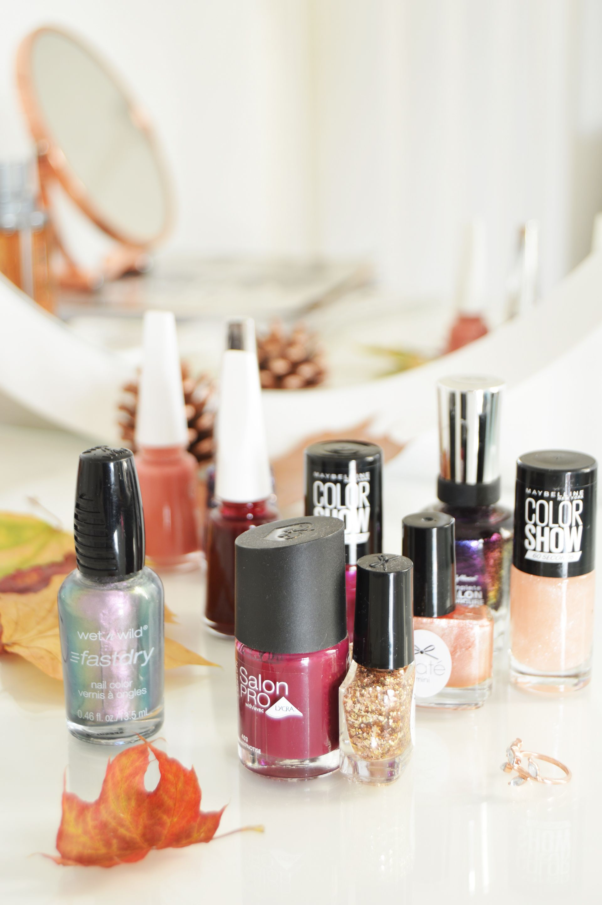 Nail polish duos for Autumn - One of the ways to brighten up a gloomy day is to wear colourful beauty products. Sometimes mono colour might be boring so why not use nail polish duos to make things even more colourful?