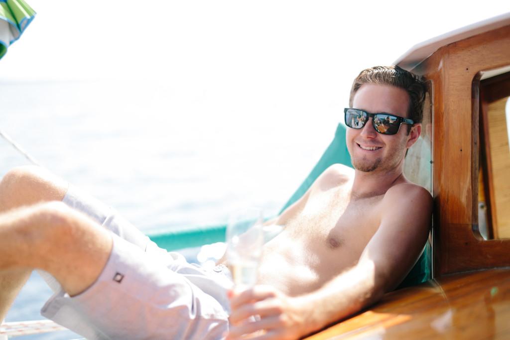 Sailing on The Big Island | Honu Sail Charters | Sailing Kona Hawaii | Untraditional Holiday Celebrating | Sailing for Christmas | elanaloo.com