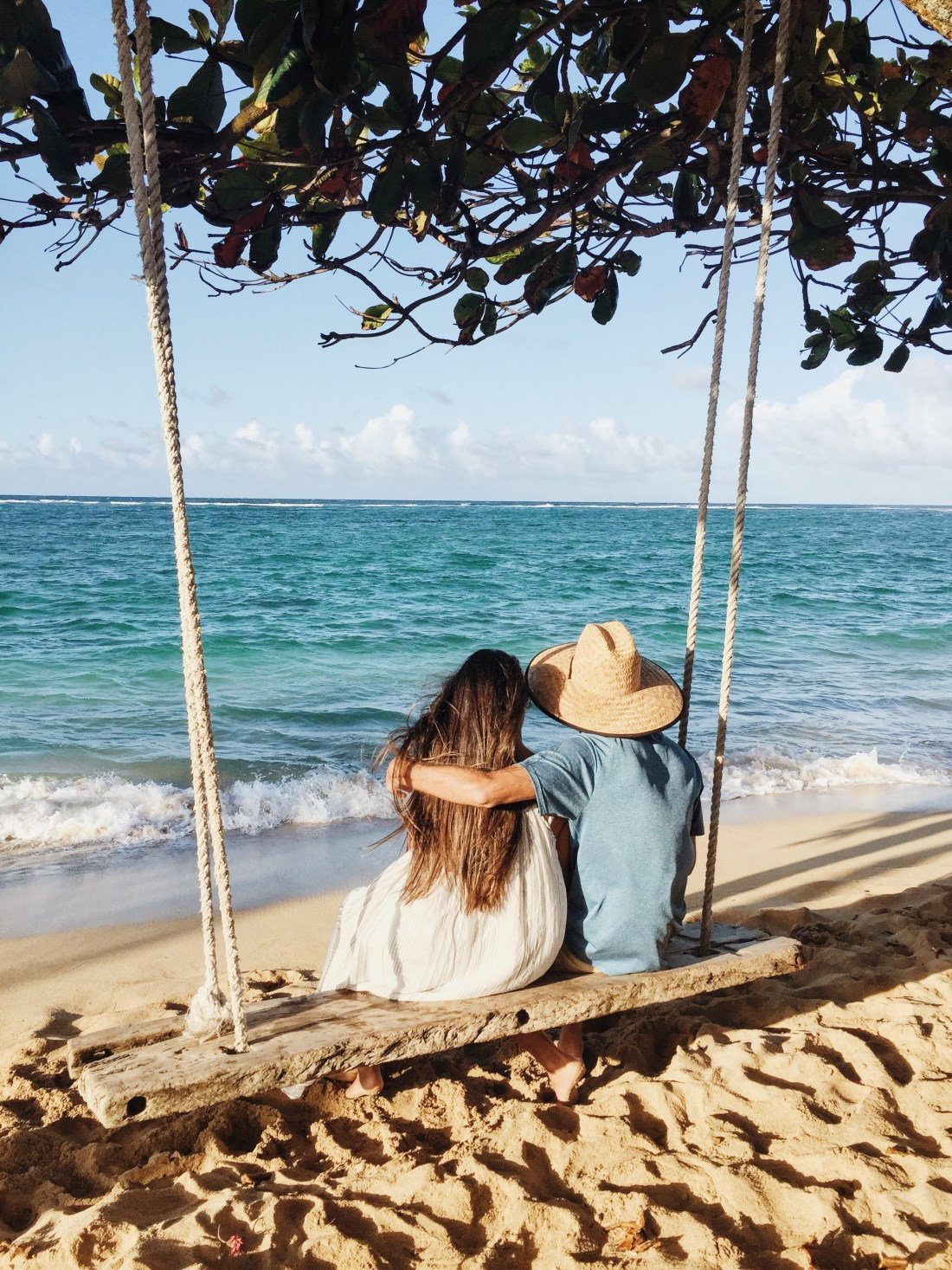 Beach Swing on Oahu | Beach Swing in Lai'e | Couple in Love | Travel Bloggers | Travel Blogger's Guide to Oahu via @elanaloo + elanaloo.com