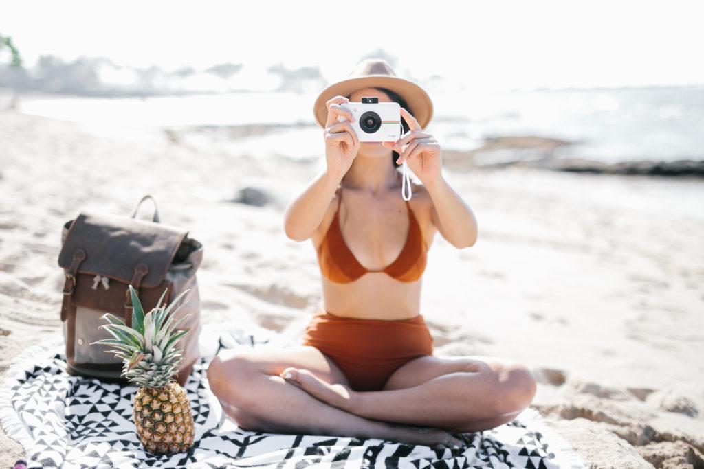 Instant Cameras | Instant Film Cameras | Polaroid Snap | Polaroid Zip | Instax Mini | Instant Printing | Holiday Gift Ideas via @elanaloo + elanaloo.com